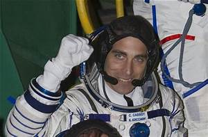 US-Russian crew blasts off for space station (Update)
