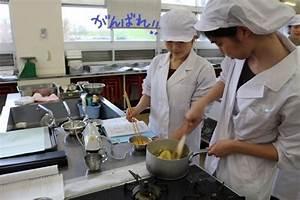 調理実習が始まりました♪ - NEWS - 生活科学学科 食物栄養専攻 - 学科・専攻紹介 - 仁愛女子短期大学
