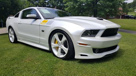 ford mustang saleen  anniversary edition