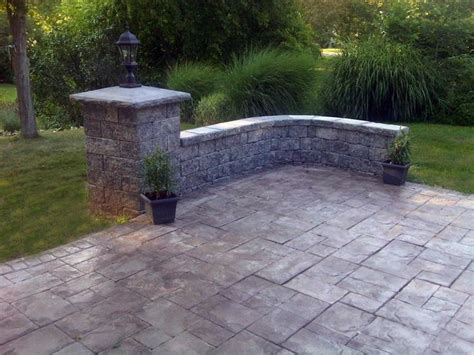 ashlar slate pattern on a sted concrete patio with