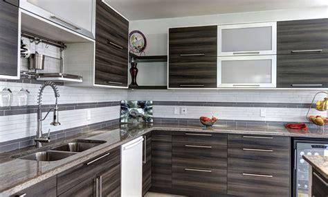 cuisine deux couleurs créations sylvain lavoie cuisiniste cabinets cuisine