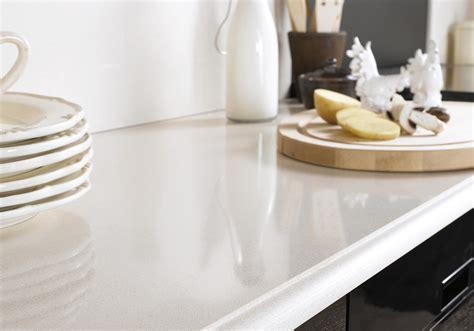 plan de travail cuisine 3m50 un plan de travail en quartz beige pour une cuisine