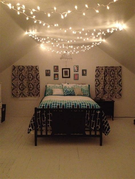 teenage bedroom black white  teal  christmas