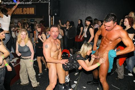 Drunk Amateurs Having Fun With Male Strippers - party ...