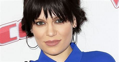 Jessie J Covers Herself In Silver Paint As She Poses