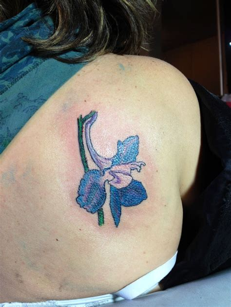 larkspur flower  represent  children  born  july