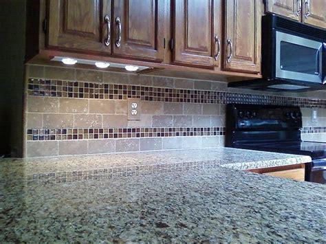 Travertine and Glass Tile Kitchen Backsplash