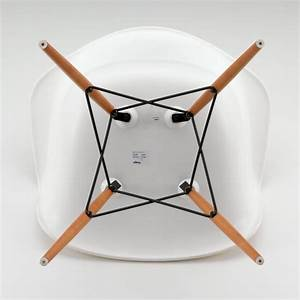 Vitra Eames Armchair : eames daw chair by vitra in our design shop ~ A.2002-acura-tl-radio.info Haus und Dekorationen