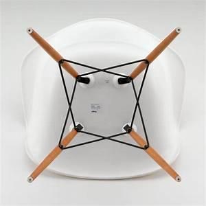 Vitra Eames Armchair : eames daw chair by vitra in our design shop ~ A.2002-acura-tl-radio.info Haus und Dekorationen