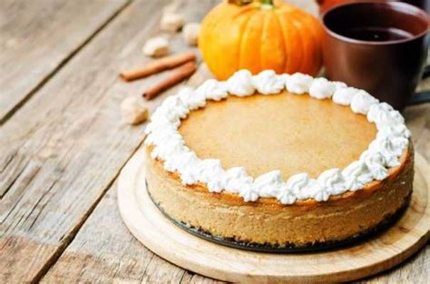 Coconut cheesecake, vanilla custard and a layer of chocolate all on a coconut macaroon crust. Copycat The Cheesecake Factory Pumpkin Cheesecake Recipe | Pumpkin cheesecake recipes ...