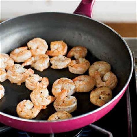 what does it to saute cooking class sauteing cooking light