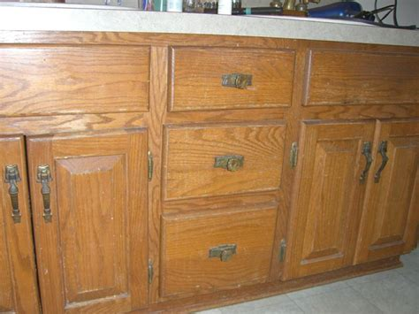 how to glaze oak cabinets oak cabinets with a new face glazed cabinets are beautiful