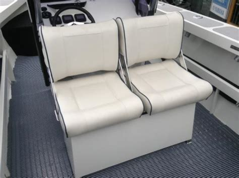 Reversible Boat Seat by Bar Crusher 670wr Reversible Helm Seat Stones Corner Marine