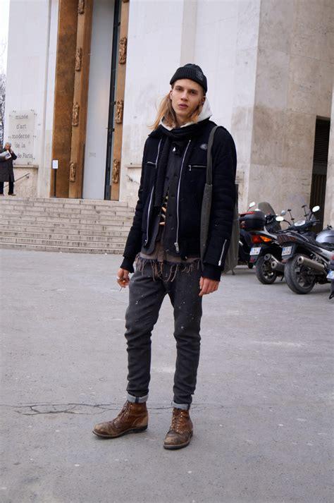 How Show Fashion Looks Men Jogger Pants