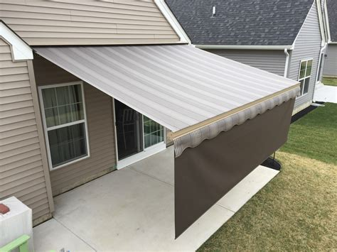 Retractable Awning by Motorized Retractable Awnings Helping In Great Oasis