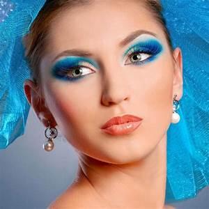 Grüne Augen Häufigkeit : sch nes blaues augen make up gr ne augen schminken schminkanleitung ~ Frokenaadalensverden.com Haus und Dekorationen