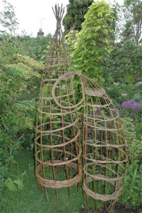 geflochtene gartenzäune плетеные изделия как элемент садового декора