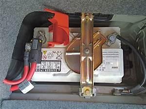 Batterie Bmw 320d : 2006 bmw 330i battery the best famous bmw 2017 ~ Gottalentnigeria.com Avis de Voitures