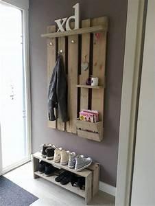 Wandgarderobe Selber Machen : die 25 besten ideen zu paletten garderoben auf pinterest kleiderst nder rustikale ~ Markanthonyermac.com Haus und Dekorationen