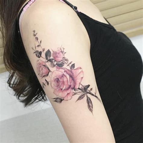 idee  tatuaggio rosa colori significati