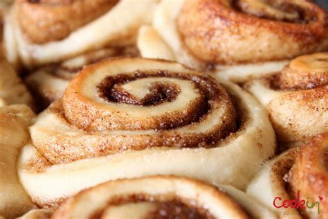 rolls rolls cinnamon rolls recipe dishmaps