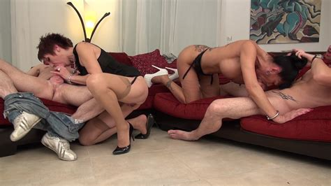 Bourgeoises Tres Cougars Streaming Video On Demand Adult