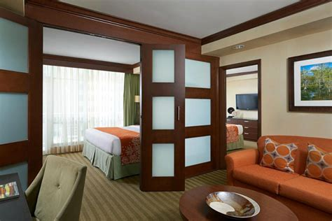 Two Bedroom Suites Miami Front Fall Miami Vacation At The Newport Beachside Hotel And