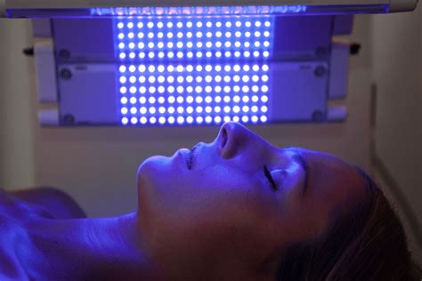 what is blue light what are the benefits of blue light therapy cosmediclist