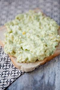 Was Macht Man Mit Avocado : aufstrich buffet f r silvester 5 tolle aufstriche f r einen entspannten jahreswechsel ~ Yasmunasinghe.com Haus und Dekorationen