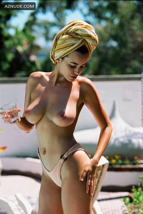 Nackt  Sarah Doolan MaeveMadden