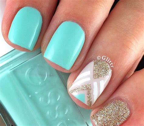 verde menta blanco  dorado  glitter nails en