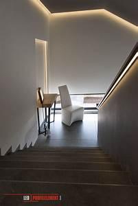 Indirekte Beleuchtung Treppe : indirekte beleuchtung in einem gro en treppenhaus indirekte ~ Pilothousefishingboats.com Haus und Dekorationen