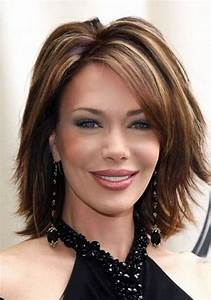 20 Most Suitable Hairstyles for Women over 40 with Middle ...