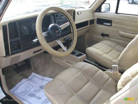beige jeep cherokee beige interior 1993 jeep cherokee standard cherokee model