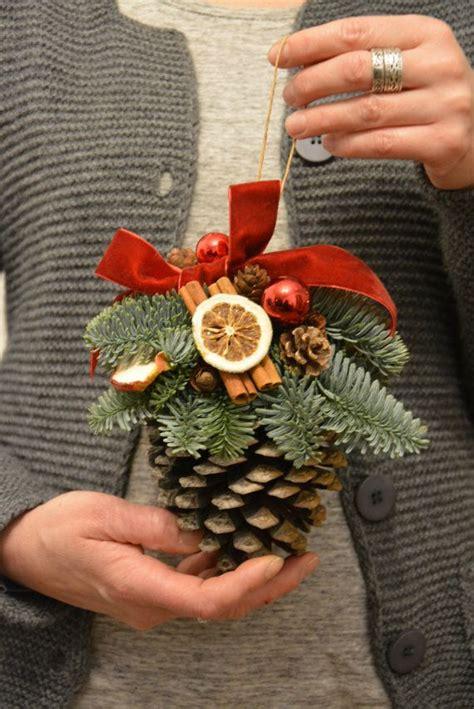 ideas  pine cones  pinterest diy