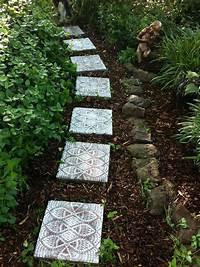 garden stepping stones 8 Artistic DIY Stepping Stones