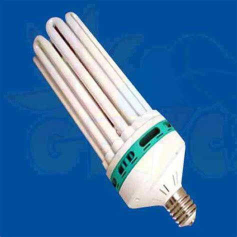 fluorescent lights gas in fluorescent light bulbs does a