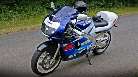 suzuki  gsx  srad topspeed insane sound  exhaust