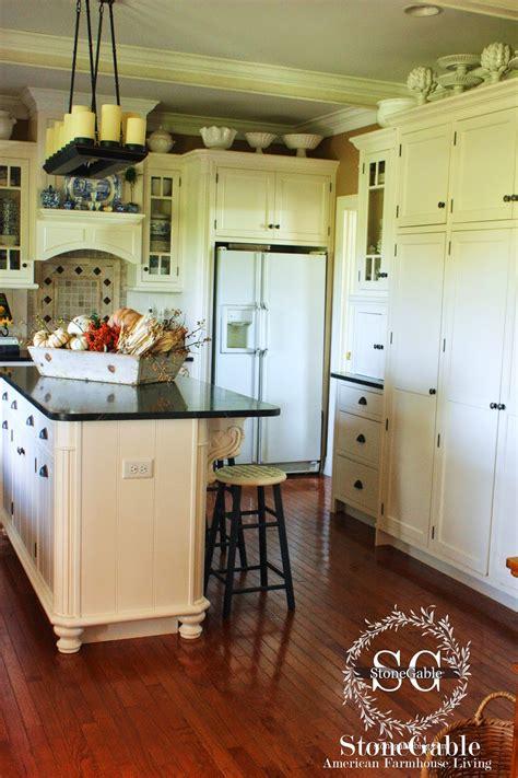 farmhouse style kitchen cabinets 10 elements of a farmhouse kitchen stonegable 7165