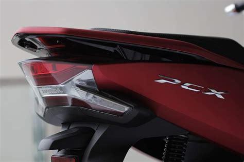 New Pcx 2018 Indonesia by Perbedaan Honda Pcx Lokal Indonesia Dengan New Pcx 150