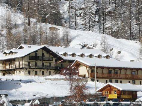 hotel du chalet genolhac i ski co uk hotel chalet du lys gressoney italy