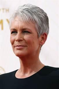 coupe de cheveux pour femme coupe cheveux gris femme 60 ans