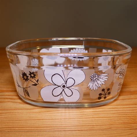 small glass storage containers  plastic lids