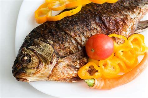 5 zivs ēdieni Vecgada vakaram: sens ticējums vēstī ...