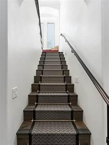 Treppen Teppich Modern : shabby chic style treppen mit teppich treppenstufen ideen design bilder houzz ~ Watch28wear.com Haus und Dekorationen