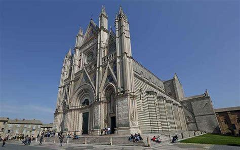 Duomo Di Orvieto, Architettura Gotica Affrescata Da Luca