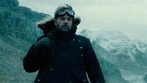 6 Ways Big-Screen Batman Could Move Beyond Ben Affleck (if ...