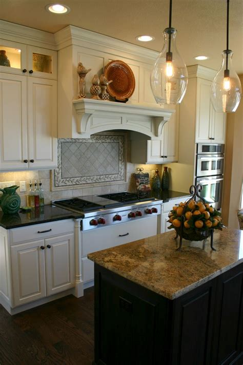 kitchen pictures with white cabinets 41 best images about uba tuba granite on 8396