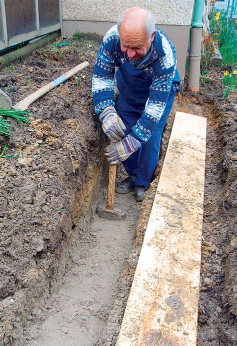 mauer bauen fundament natursteinmauer selbst de
