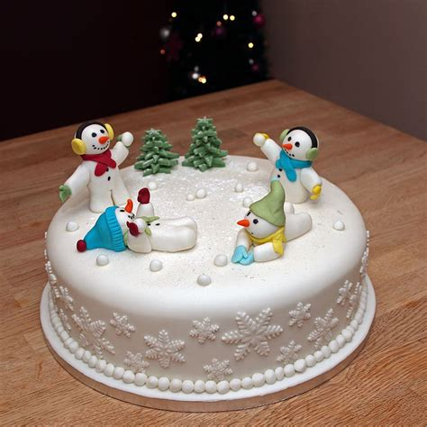 fruit chrismas cake with handmade fondant snowmen